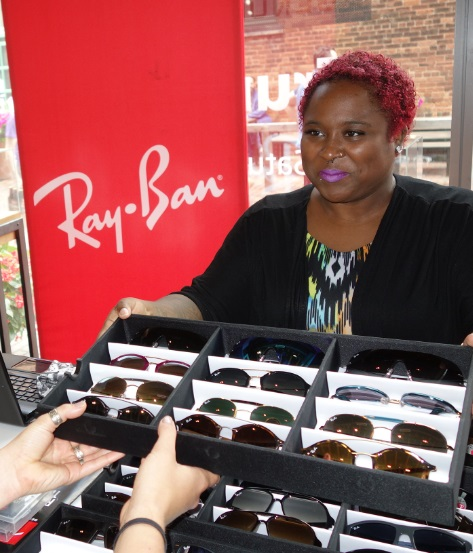 Ray-Ban sunglasses, Spectacle